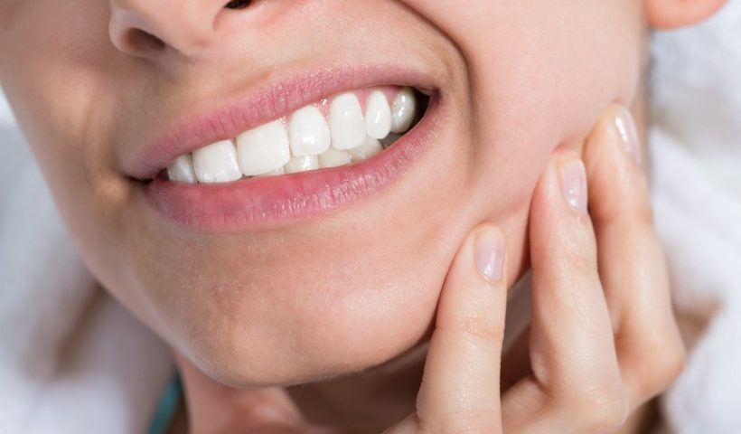 Why do my teeth hurt while eating sugar